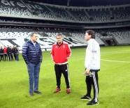 SOHBET TOPLANTISI - Beşiktaşlı Futbolcular Vodofone Arena'yı Gezdi