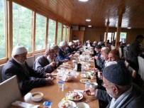 Çatalpınar'da Yaşlılar Bir Araya Geldi