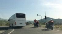 Dikili'ye Gelen Mülteciler Otobüslerle Kamplara Gidiyor