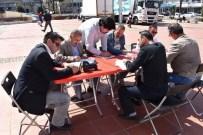 HASAN ESER - Aliağalı Gazetecilerden Türk Kızılayı'na Destek