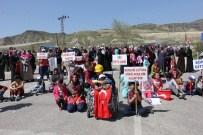HAYATI TAŞDAN - Madenciler Yer Altında, Aileleri Yolda Eylem Yaptı