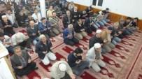 KADIR ÖZDEMIR - Burhaniye'de Regaip Kandilinde Camiler Doldu