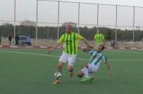 HASAN ÖZER - Eski Futbolcular Suriye Sınırında Maç Yaptı