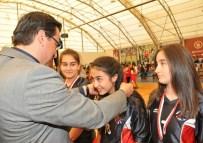 NURI PAKDIL - Okullar Liginde Basketbol Şampiyonları Belli Oldu