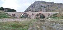 BAYıNDıRLıK VE İSKAN BAKANı - Tarihi Kurt Köprü'nün Onarımına Başlanıyor