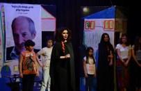 'Eşek Muhabbeti' Oyunu Hem Güldürdü Hem Ağlattı