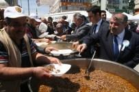 Sivas Vakıflar Bölge Müdürlüğü Yozgat'ta Vatandaşa Vakıf Yemeği İkram Etti