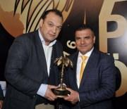 ROBERTO CARLOS - Yılın Spor Muhabiri Ödülü Dündar Keşaplı'nın Oldu