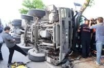 YAKıNCA - Beton Mikseri Devrildi, Sıkışan Sürücü Güçlükle Kurtarıldı