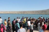 KARAHAYıT - Coğrafya Bölümü Öğrencilerinin Arazi Çalışması
