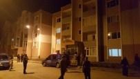 EVDE ÇALIŞMA - Kocaeli'de Bir Çeçen Evinde Öldürüldü