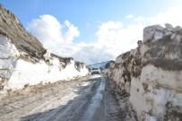 KAR MANZARALARI - Bitlis'te Kar Kalınlığı 5 Metreyi Buluyor