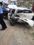 KANDIRA CEZAEVİ - Kocaeli'de Trafik Kazası Açıklaması 6 Yaralı