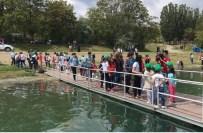CENGIZ ERDEM - Öğrenciler, Hazar Gölünde Temizlik Yaptı