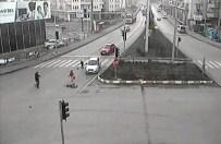 GİZLİ BUZLANMA - Bartın'daki Trafik Kazaları MOBESE'de