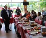 OMURİLİK FELÇLİLERİ - Başkan Erener, Engelliler İle Kahvaltıda Bir Araya Geldi