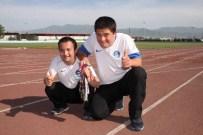 ENGELLİ SPORCU - Engelli Sporcu Hem Madalya Kazanıyor Hem De Güldürüyor