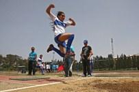 FETHIBEY - Minik Atletler Pistin Tozunu Attı