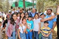 SİHİRBAZLIK - Başakşehir'de Bilgi Evleri Öğrencileriyle Suriyeli Çocuklar Piknikte Bir Araya Geldi