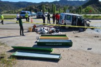 YAKUP ŞAHIN - Otomobil Yolcu Otobüsüne Çarptı Açıklaması 3 Ölü