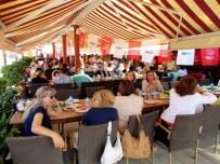 ÇEŞMELI - CHP'li Kadınlardan Birlik Ve Beraberlik Kahvaltısı