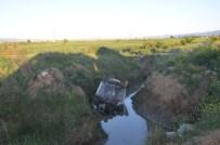 Otomobil Sulama Kanalına Düştü Açıklaması 1 Yaralı