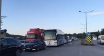 OVAAKÇA - İstanbul Yolunda Trafik Felç Oldu
