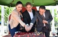 DOĞUM GÜNÜ PASTASI - Başkan Demircan, Belediye Çalışanlarıyla Doğum Günü Pastası Kesti