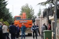 ÇıKMAZ SOKAK - İpek'in Evinin Önündeki Duvara Yıkım Engeli