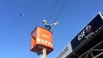 MAHSUR KALDI - Mahsur Kalan Güvercinler Akedaş Ekibi Tarafından Kurtarıldı