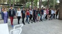 Burhaniye'de Gençlik Merkezi Ekibi Provada