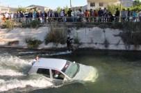 MAHSUR KALDI - Karısının Kaza Yaptığını Duyunca Suya Atladı