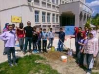 HAMZA KAYA - Okul Bahçesinde Doğa Temalı İngilizce Sloganlar