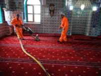 TEMİZLİK ARACI - Yozgat Belediyesi Ramazan Ayı Öncesi Camilerde Temizlik Seferberliği Başlattı