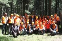 GÜZELDERE ŞELALESİ - Orman Mühendisliği Bölümü Öğrencileri Düzce'yi Gezdi