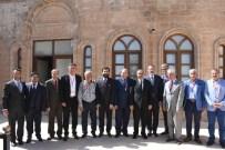 ARTUKLU ÜNIVERSITESI - Türkiye Gazeteciler Konfederasyonu Vali Koçak'ı Ziyaret Etti
