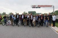 MEHMET FATIH ÇIÇEKLI - 105 Yetim Çocuğa 105 Bisiklet Dağıtımı Gerçekleşti