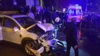 DILRUBA - Cipin Çarptığı Minibüs Devrildi Açıklaması 4 Yaralı