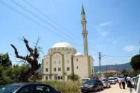 NIYAZI ULUGÖLGE - Foça Gencerli Yıldız Camii Törenle Hizmete Açıldı