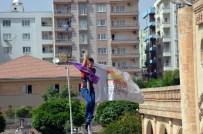 MAHSUR KALDI - Göndere KJA Flaması Asan Gruba Müdahale Açıklaması 20 Gözaltı