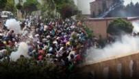 MAHSUR KALDI - PKK flaması asan gruba polis müdahalesi!