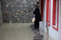 MAHSUR KALDI - Karabük'te Etkili Olan Yağmur Sonrası Bazı Binaları Su Bastı