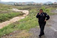 MAHSUR KALDI - Kayseri'de Sağanak Yağış Hayatı Felç Etti