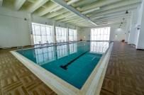 İki Yüzme Havuzu Gençlere Kapılarını Açmak İçin Bekliyor