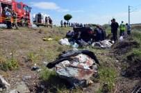 SÜLEYMAN DEMİR - Kahramanmaraş'ta Trafik Kazası Açıklaması 1 Ölü, 1 Yaralı