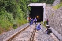 Emekli Maaşını Çekmeye Giderken Trenin Altında Kaldı