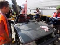 Karacasu'da Kaza, Otomobil Sürücüsü Sıkıştığı Araçta Hayatını Kaybetti