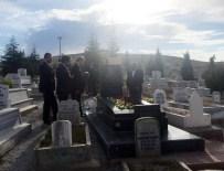 BOZLAK - Cumhurbaşkanı Erdoğan, Neşet Ertaş'ın Mezarını Ziyaret Etti