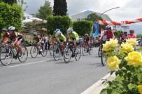 KADIR EKINCI - Genç Bisikletçiler Birincilik İçin Yarıştı