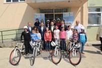 SOLAKLAR - İzmitli Öğrenciler Bisikletlerine Kavuştu